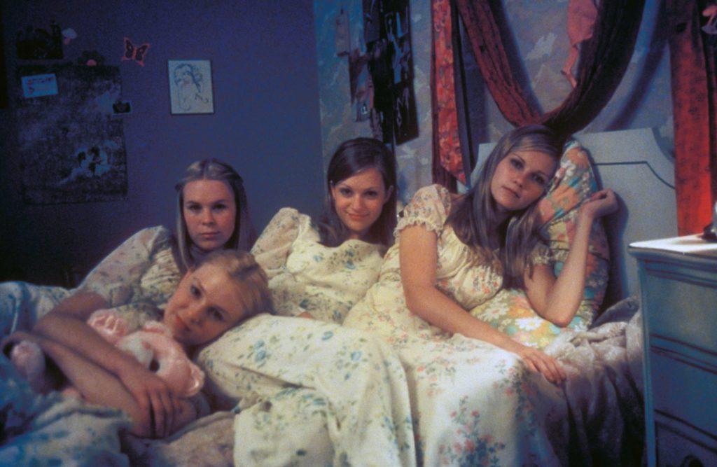 le quattro sorelle lisbon nella loro camera