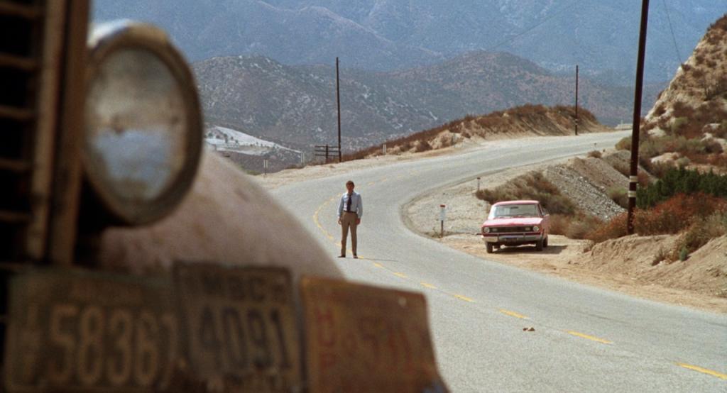 Scena tratta dal film Duel di Steven Spielberg