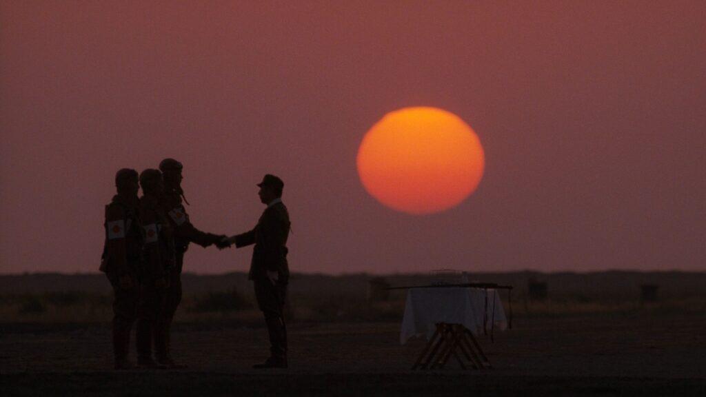 Una scena tratta da L'Impero Del Sole di Steven Spielberg