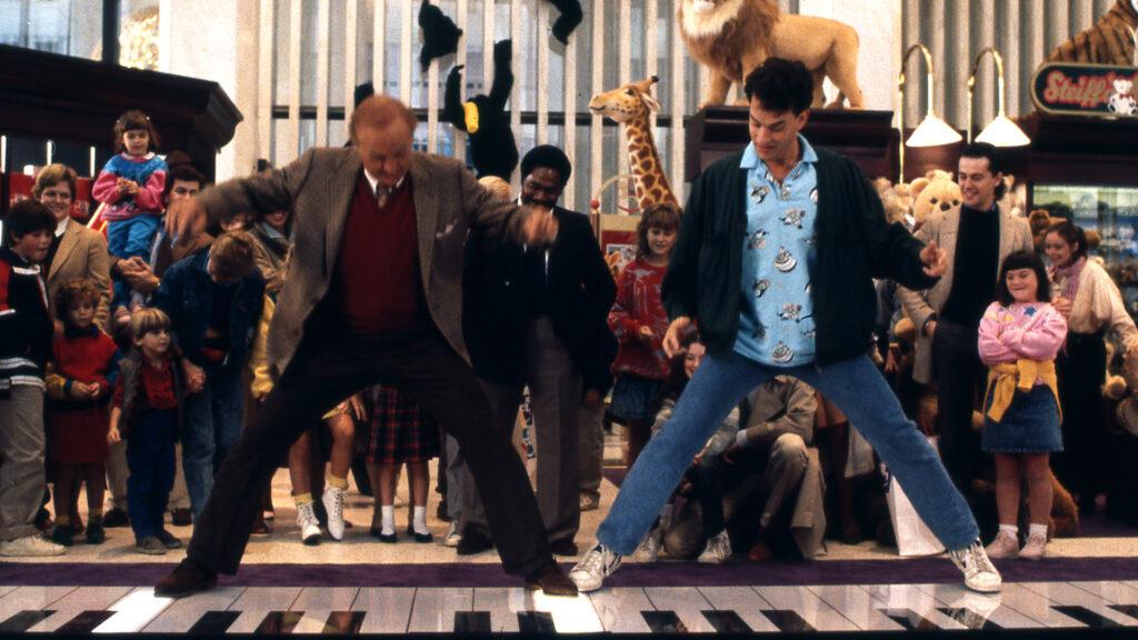 Tom Hanks in una scena del film Big diretto da Penny Marshall