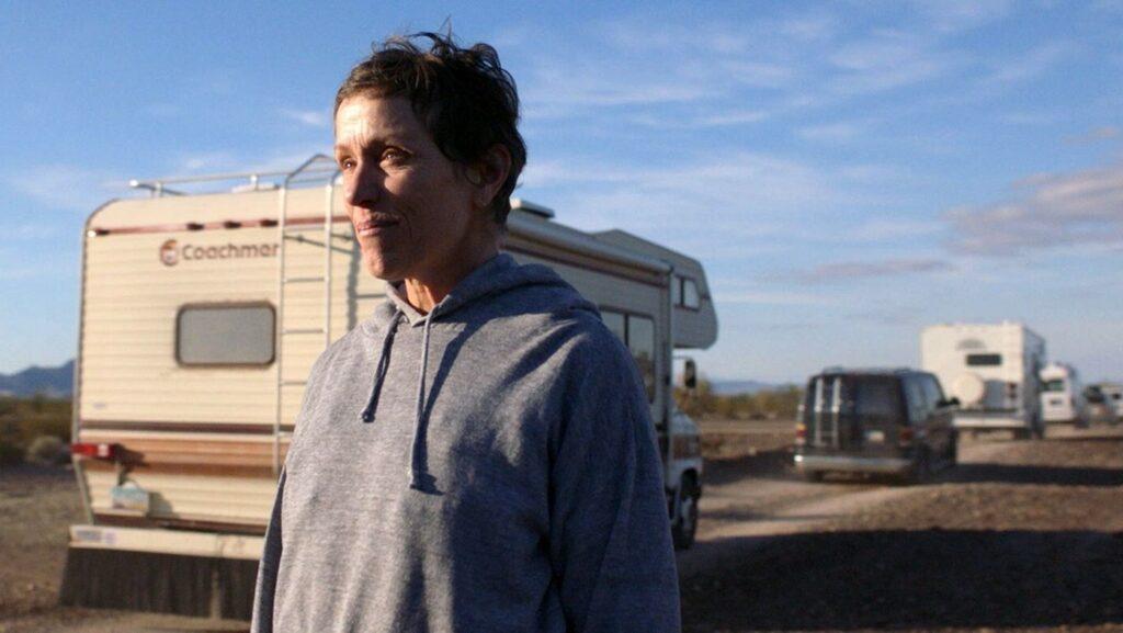 Frances McDormand nel film Nomadland