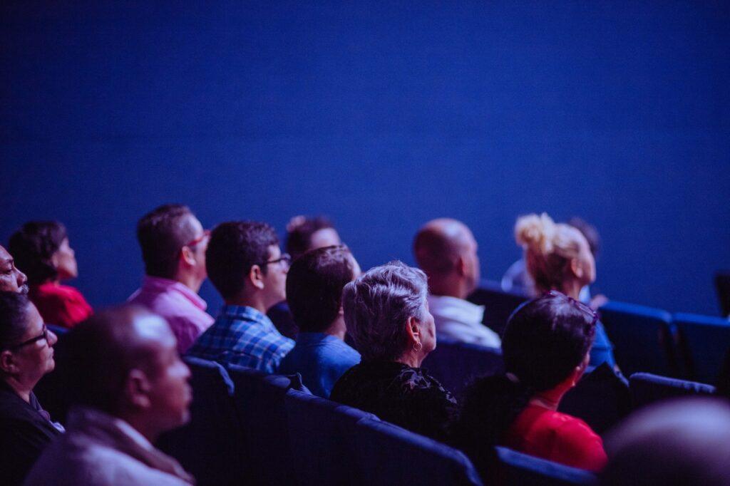 persone al cinema
